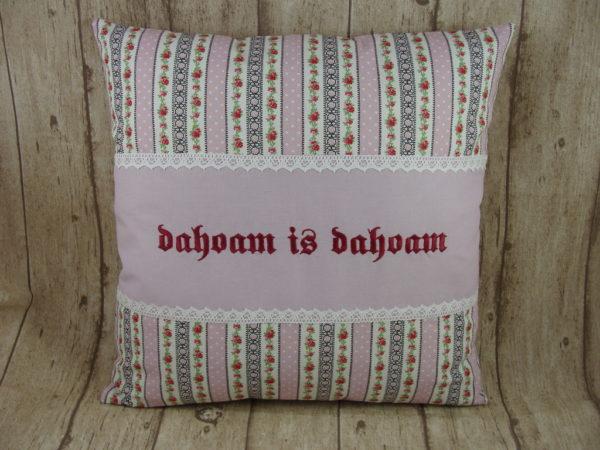 """Kissen """"dahoam is dahoam"""", flieder 40x40cm"""