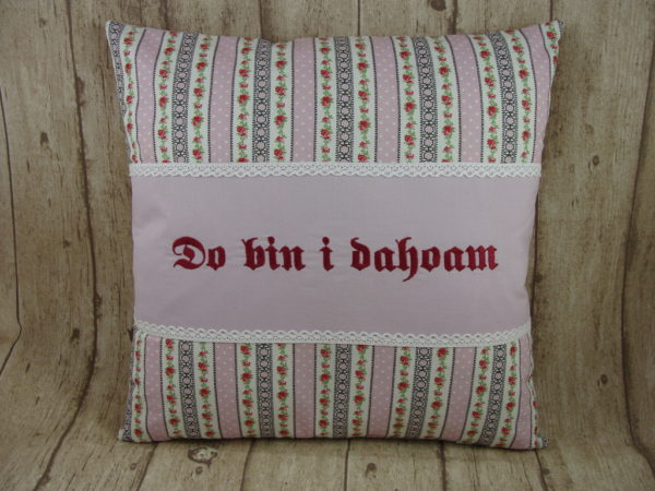 "Kissen ""do bin i dahoam"", flieder 40x40cm"